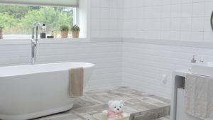 वास्तु टिप्स : घर में कहां बनवाएं बाथरूम और कहां नहीं