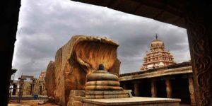हवा में झूलते मंदिर के पिलर्स का ये है रहस्य