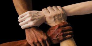 हाथों के रंग से व्यक्ति के बारे में जानें