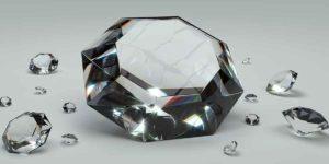 हीरा कैसे है शुभ व अशुभ?