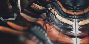 शनि की नज़रों से बचना है तो जूते-चप्पल का रखें ध्यान