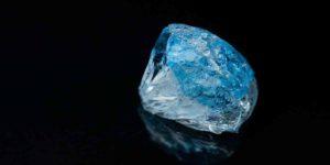 नीला पुखराज क्या है, जानें इसके फायदे