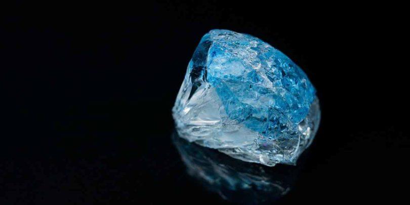 नीला पुखराज क्या है तथा जानें इसके फायदे