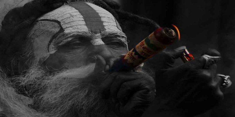 कौन है नागा साधु, जानें इनके जीने का रहस्य