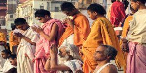 कुंभ संक्रांति का क्या है महत्व, जानें इस दिन किन चीज़ों का दान माना जाता है महादान!