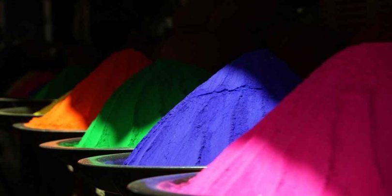 अपने अंकों से जानें क्या है आपका लकी रंग