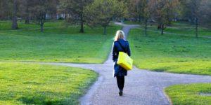 चाणक्य नीति: क्या हैं वह 4 पैदाइशी गुण जो मुश्किल हालात में आते हैं काम!
